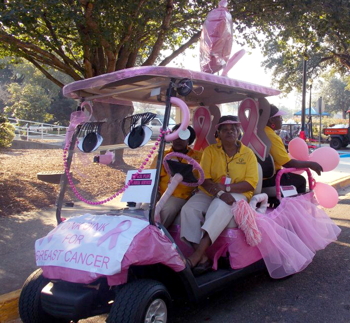 A department golf cart was decorated last year during the Paint Southern Miss golf cart competition & USM welcomes u0027Pinktoberu0027 | The Student Printz