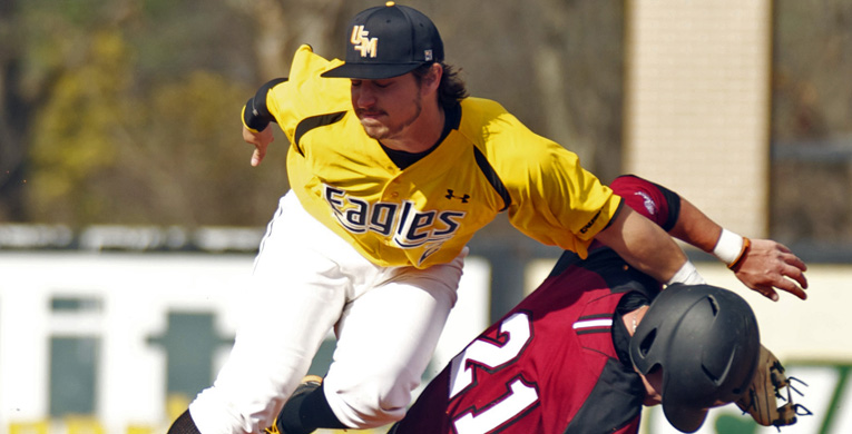 Golden Eagles take two of three from FAU