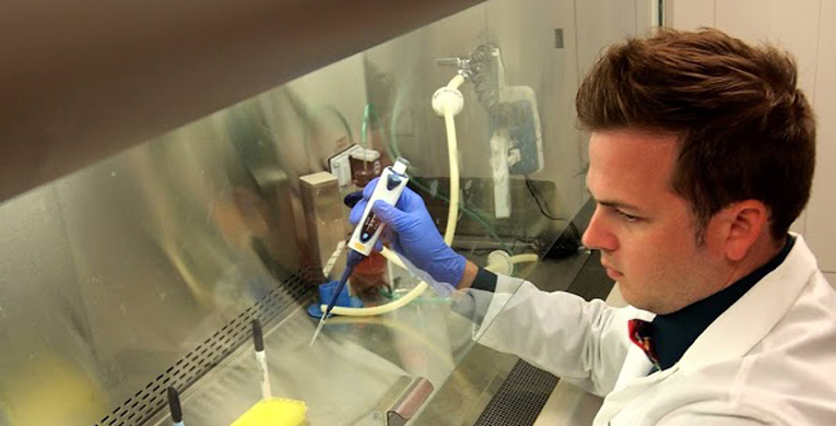 USM alumnus helps fight Ebola virus