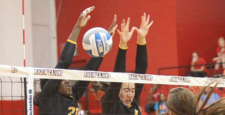 USM volleyball goes 3-1 in Sawyer Camillo Classic
