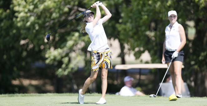 Women's golf places 15th at Bearcat Classic