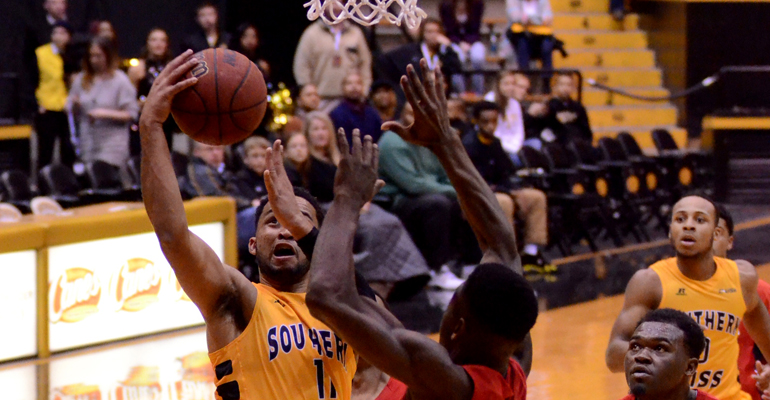 Southern Miss rallies late to top USA