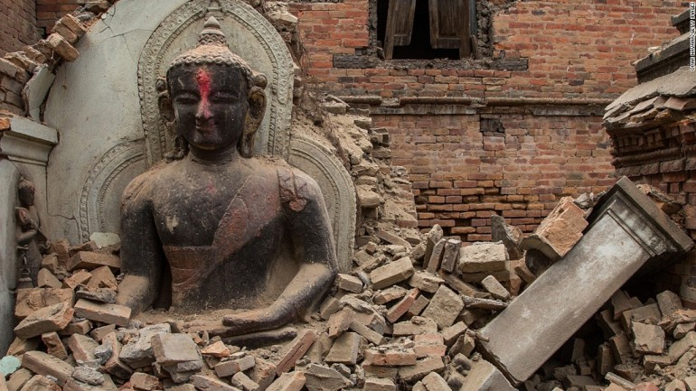 Students Raise Funds for Nepali Disaster Relief