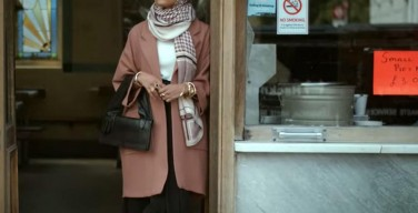 H&M model dons hijab in video