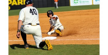 Golden Eagles' bats stay hot against Demons