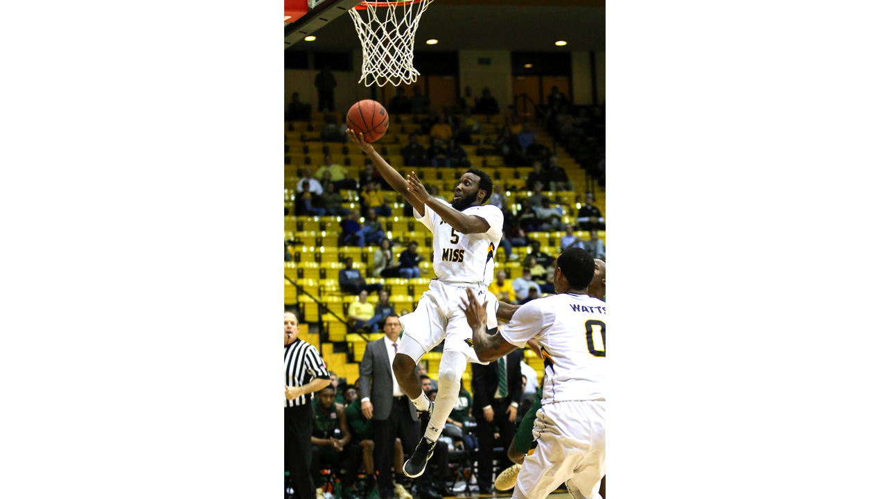 Golden Eagles fall in back-to-back contests at home