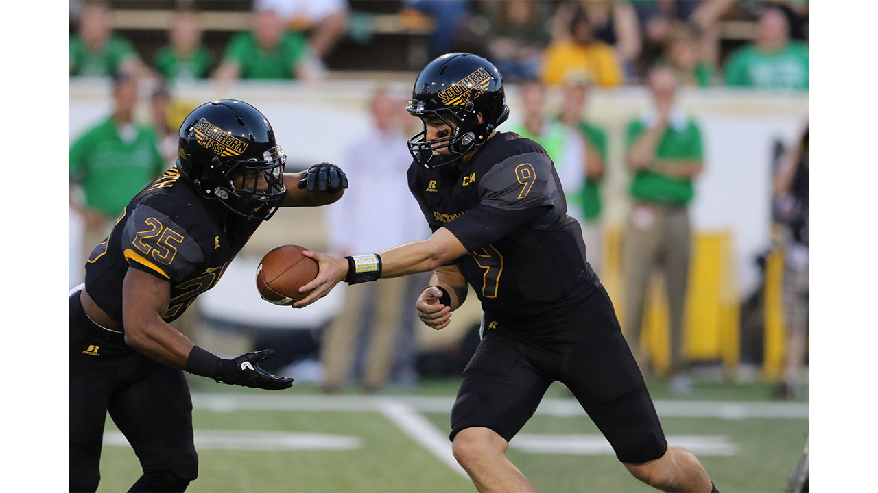 Golden Eagles bounce back at homecoming, 24-14