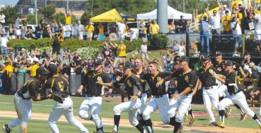 Fans count down to Golden Eagles baseball season
