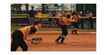 Lady Eagles fall to Bulldogs, 3-2