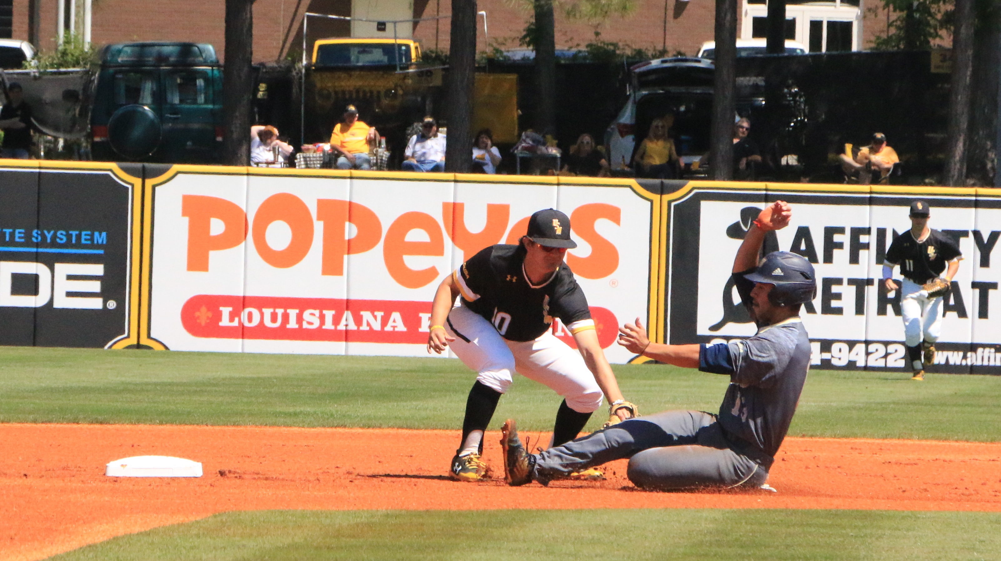Golden Eagles grind out 5-1 win over FIU