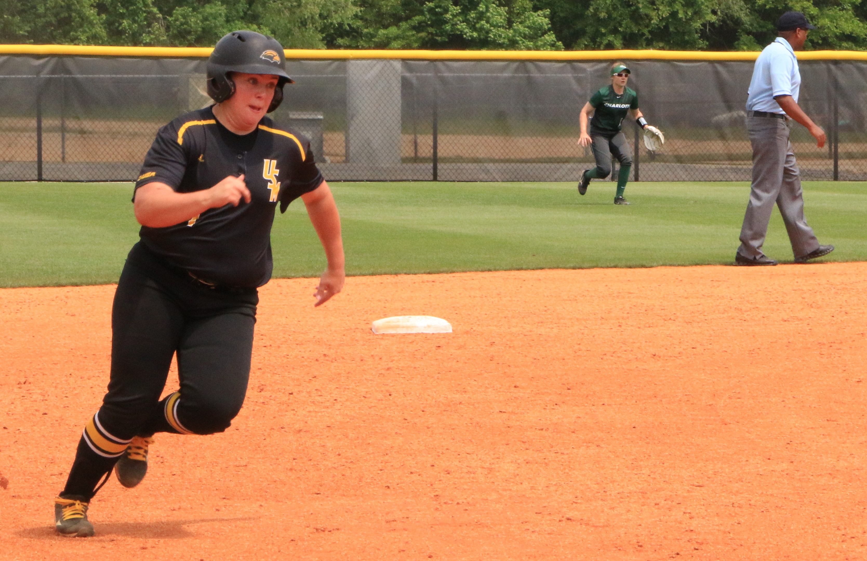Lady Eagles clinch final home series against Charlotte