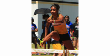 Women's track and field takes wins the Florida State Relays