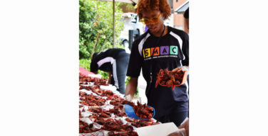 SMAC and Freshmen Associates hold crawfish fest